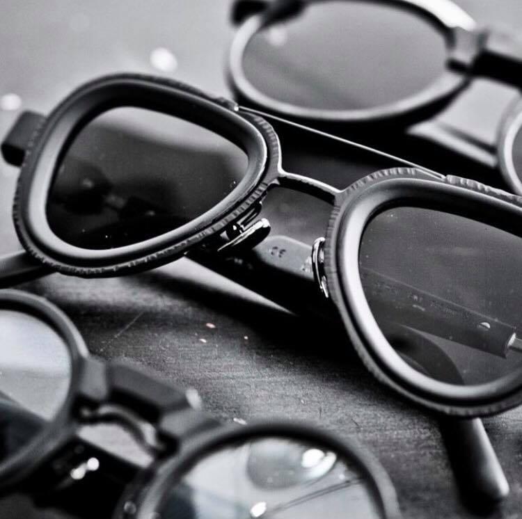 4d6b18f764b8 Солнцезащитные очки и оправы Kuboraum - это современный, стильный и  авангардный аксессуар который подчеркнет уникальность своего обладателя.